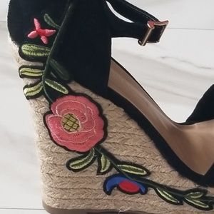 04d6073f730 Wild Diva Shoes - Wild Diva Lounge Embroidered Floral Wedge Heels